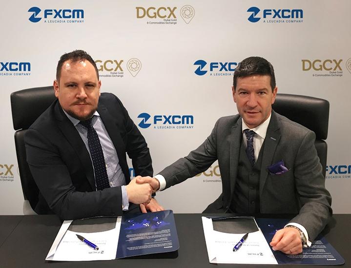 迪拜黄金与商品交易所(DGCX)首席执行官Les Male,与FXCM集团董事总经理兼全球FXCMPro销售总裁Mario Sanchez于FXCM集团伦敦总部共同签署了该协议