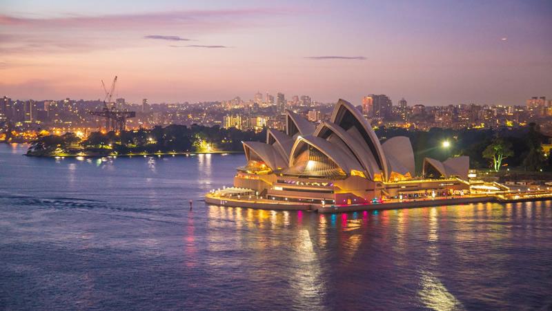 澳大利亚 九月 澳大利亚消费者通胀预期从前值3.3%增加至4.4%